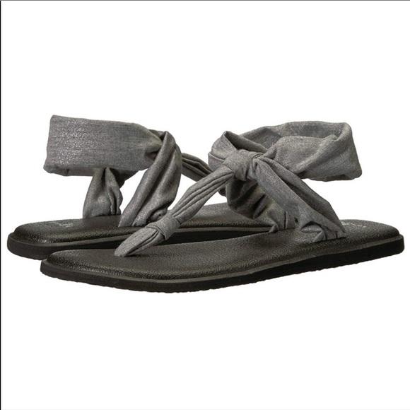 88785322fc1318 Sanuk Women s Yoga Sling Ella Metallic Flip-Flop